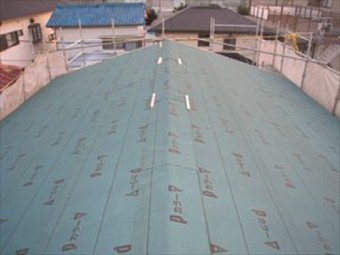 瓦棒屋根の葺き替え