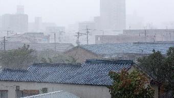 強風や大雨に耐える屋根