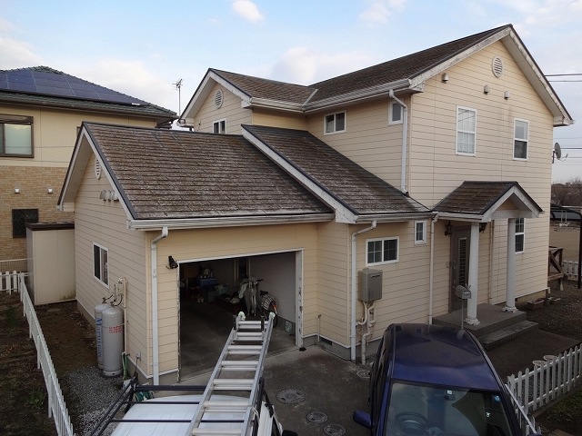 前橋市で輸入住宅の塗装の屋根外壁の塗装工事のお見積へ伺いました