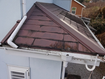 コロニアル屋根下屋
