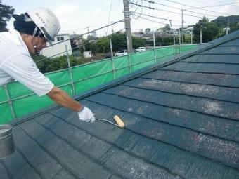 コロニアル屋根下塗り1回目