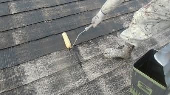 屋根 下塗り1回目中